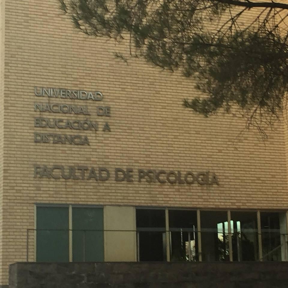 Seminario Sobre El Uso De La Técnica De La Caja De Arena En La UNED